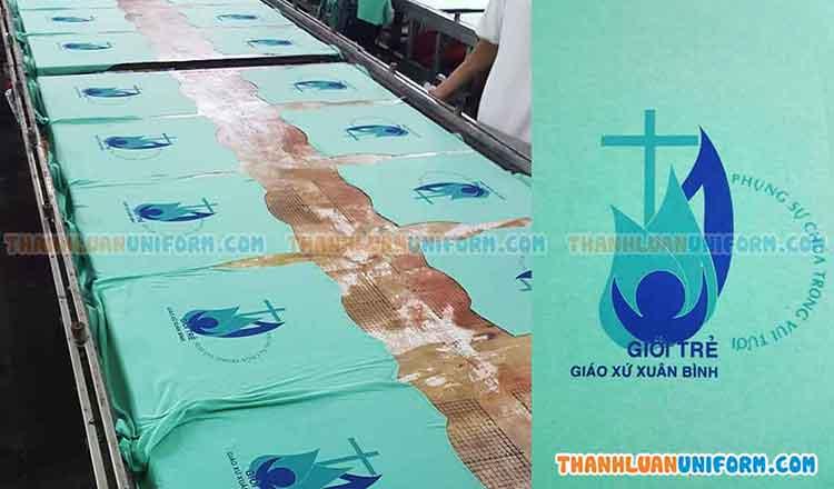 Xưởng in lụa gia công trên áo thành phẩm, thân áo,các loại vải,..Sử dụng mực in chính hãng - Hình in sắc nét - Độ bền cao - Bảo hành 12 tháng